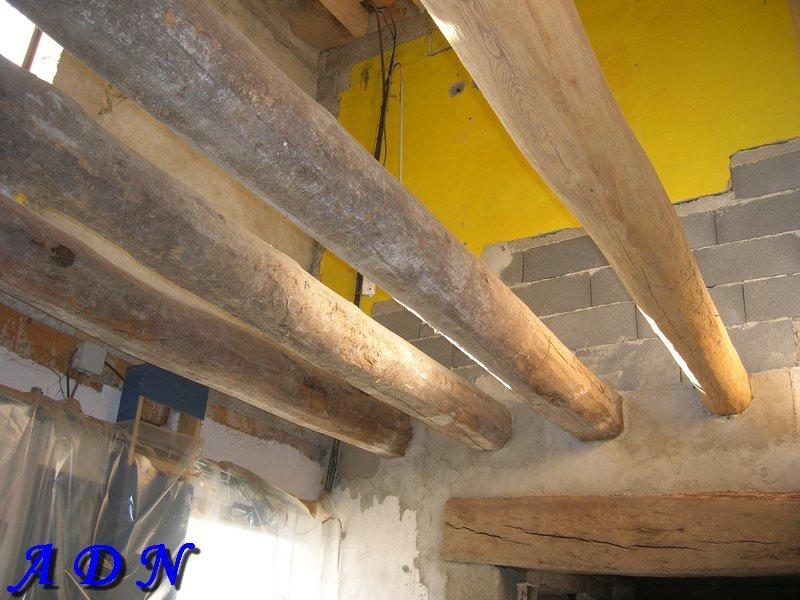 Lasure poutre table enduire la chaux traitement de surface la lasure feuille de plomb sur la - Peindre des poutres lasurees sans poncer ...